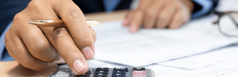 Vale mais a pena pegar empréstimo ou vender precatório
